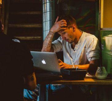 Les Canadiens sont de plus en plus stressés au travail!