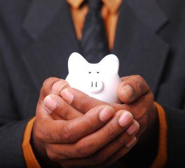 Faire travailler les bénéficiaires de l'aide sociale : pas si simple, selon des intervenants