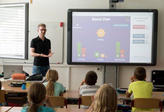 Orientation scolaire : l'Ontario en retard, selon un rapport