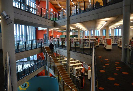 Une étude révèle que les efforts d'intégration de la culture autochtone varient d'une université à l'autre