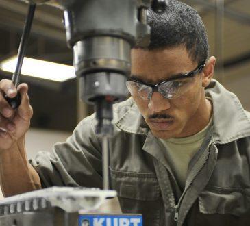 Pénurie de main-d'oeuvre: pourquoi les travailleurs n'ont pas le gros bout du bâton?