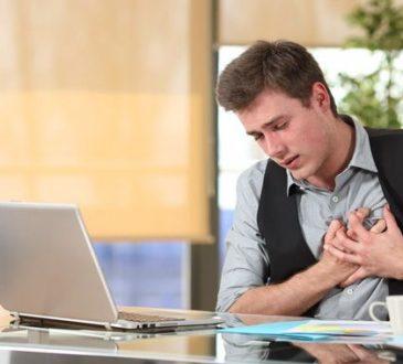 Travailler plus de 10 heures par jour de façon prolongée expose au risque d'AVC