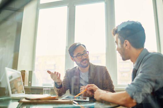 Trois comportements qui peuvent faire de l'introverti un meilleur patron aux yeux de l'extraverti