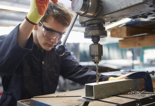 Le Canada a connu son meilleur premier semestre en emploi depuis 2002