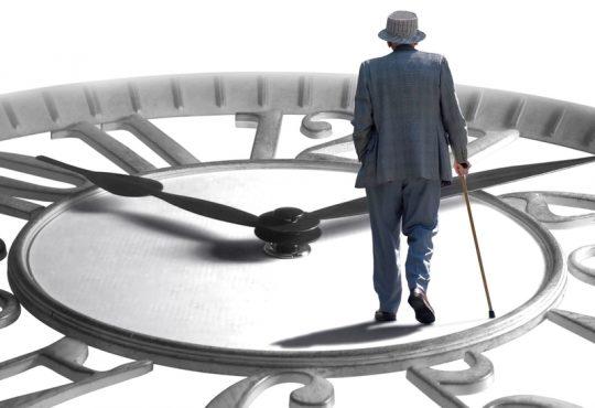 Les aînés québécois travaillent plus longtemps et sont plus endettés