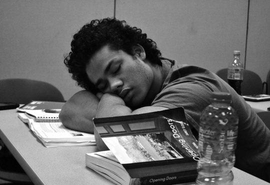 Quand sieste et réussite scolaire vont de pair