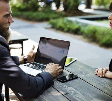 Plus d'un quart des hommes Canadiens craignent que le fait de discuter de santé mentale au travail puisse mettre leur emploi en danger