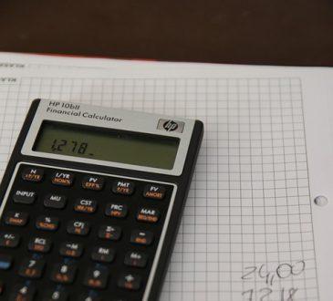 Étudier ou travailler? Le dilemme de plusieurs étudiants en période de pénurie de main-d'œuvre