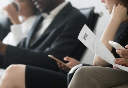 Guide ultime des questions en entrevue: les meilleures façons d'y répondre