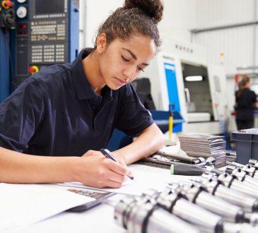 Femmes en génie : il reste encore des barrières 30 ans après Polytechnique