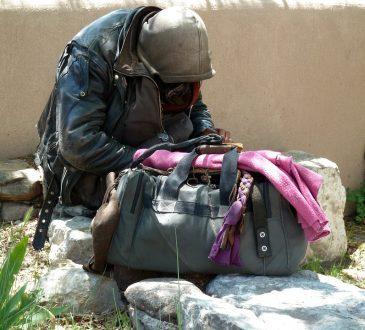 Travailler et rester pauvre, l'autre face du plein-emploi