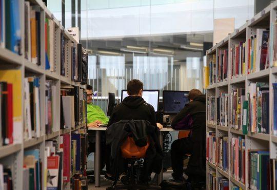 Santé mentale des étudiants : les établissements postsecondaires forcés de s'adapter