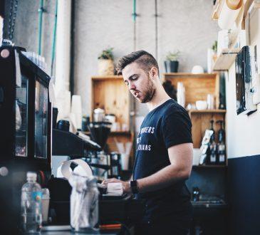 COVID-19: D'un extrême à l'autre sur le marché de l'emploi
