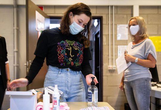 La pandémie angoisse moins les étudiants québécois que leurs homologues ontariens