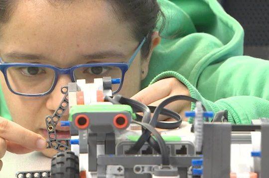 Le défi d'attirer et de garder les femmes en sciences et en ingénierie