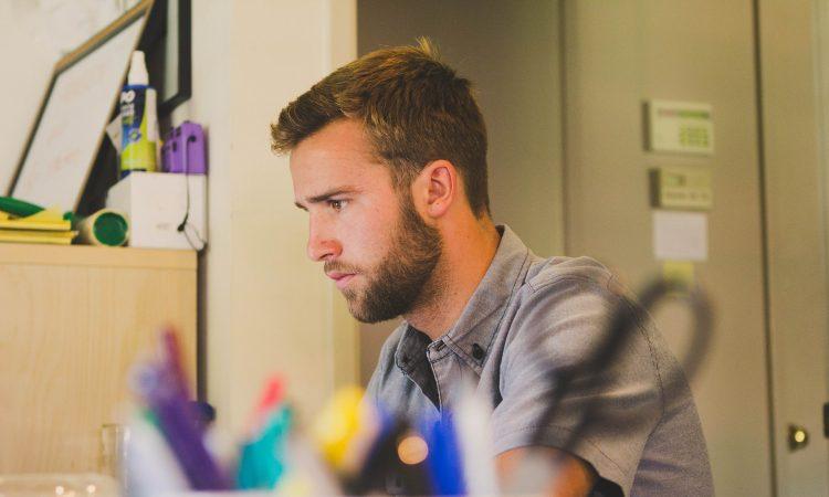 Emploi d'été et emploi étudiant : 7 ressources à consulter