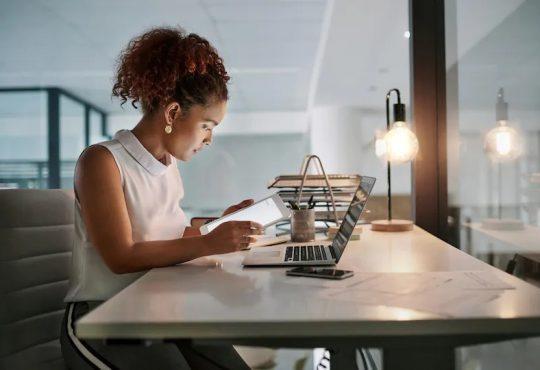 Les employeurs embaucheront davantage de travailleurs contractuels