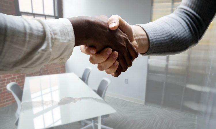 Pour vos clients nouveaux arrivants : vous êtes plus qu'un conseiller en emploi à leurs yeux