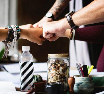 8 articles vous présentant des idées d'activités de team building à distance